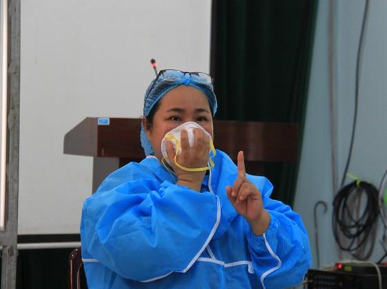 Lãnh đạo TP Đà Nẵng kiểm tra các điểm thi tốt nghiệp THPT năm 2020 đợt 2 ảnh 4