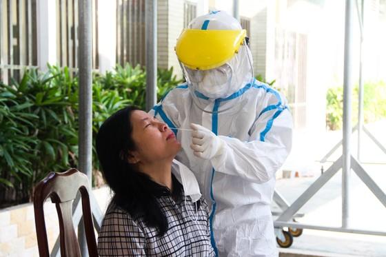 Lãnh đạo TP Đà Nẵng kiểm tra các điểm thi tốt nghiệp THPT năm 2020 đợt 2 ảnh 2