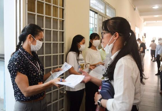 Đà Nẵng: Bộ GD-ĐT kiểm tra công tác tổ chức Kỳ thi tốt nghiệp THPT đợt 2 ảnh 11