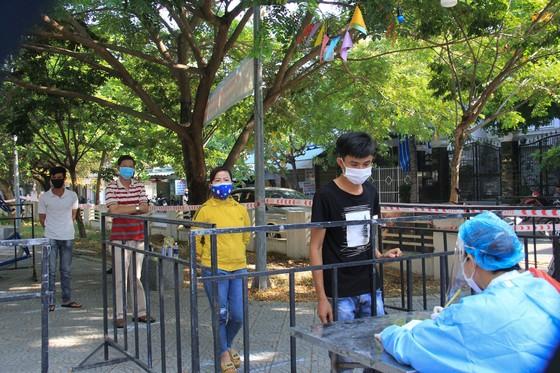 Đà Nẵng thực hiện sớm xét nghiệm SARS-CoV-2 diện rộng theo hộ gia đình ảnh 13