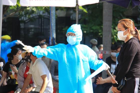 Đà Nẵng thực hiện sớm xét nghiệm SARS-CoV-2 diện rộng theo hộ gia đình ảnh 10