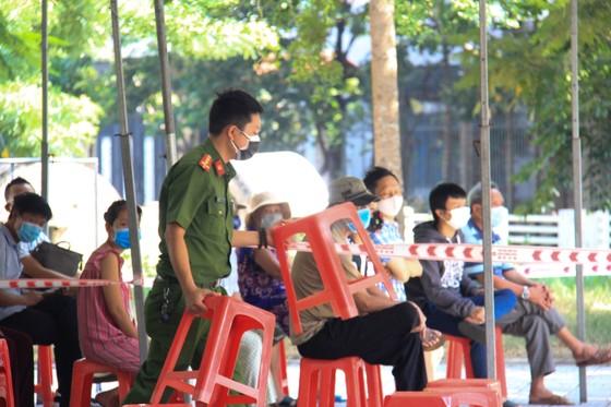 Đà Nẵng thực hiện sớm xét nghiệm SARS-CoV-2 diện rộng theo hộ gia đình ảnh 7