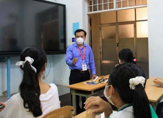 Đà Nẵng: Bộ GD-ĐT kiểm tra công tác tổ chức Kỳ thi tốt nghiệp THPT đợt 2 ảnh 10