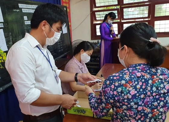 Đà Nẵng: Bộ GD-ĐT kiểm tra công tác tổ chức Kỳ thi tốt nghiệp THPT đợt 2 ảnh 4