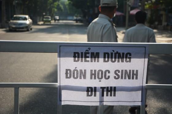 Gần 11.400 thí sinh Đà Nẵng, Quảng Ngãi hoàn thành môn thi đầu tiên kỳ thi tốt nghiệp THPT đợt 2 ảnh 2