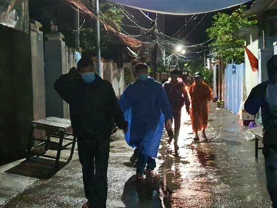 Đà Nẵng vận động sơ tán người dân đến nơi trú ẩn an toàn  ảnh 3