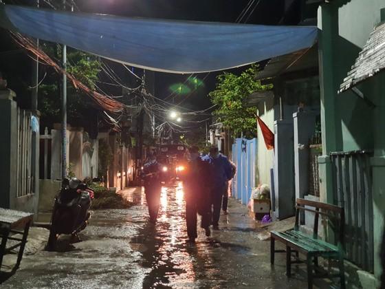 Đà Nẵng vận động sơ tán người dân đến nơi trú ẩn an toàn  ảnh 4