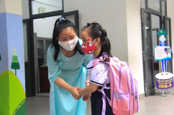 Đà Nẵng: Học sinh tiểu học, trẻ mầm non quay lại trường sau dịch bệnh ảnh 8