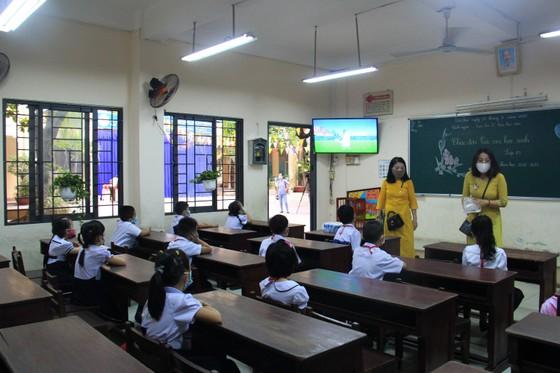 Đà Nẵng: Học sinh tiểu học, trẻ mầm non quay lại trường sau dịch bệnh ảnh 10