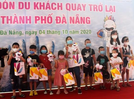 Đà Nẵng: Đón đoàn du khách đầu tiên sau dịch Covid-19 lần 2 ảnh 2