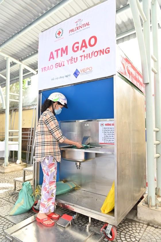 'ATM gạo - Trao gửi yêu thương' hỗ trợ người dân khó khăn tại Đà Nẵng ảnh 1