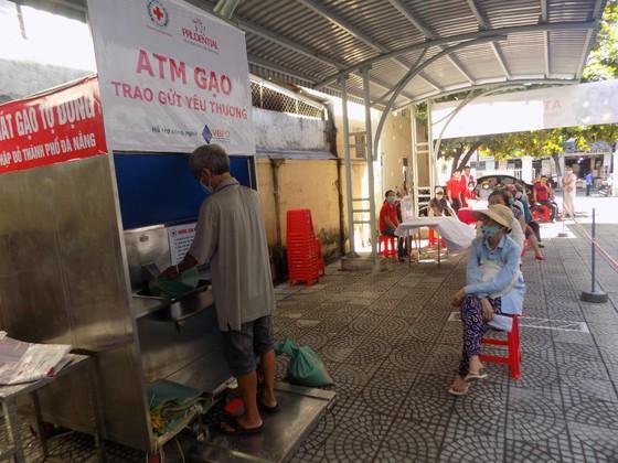 'ATM gạo - Trao gửi yêu thương' hỗ trợ người dân khó khăn tại Đà Nẵng ảnh 2