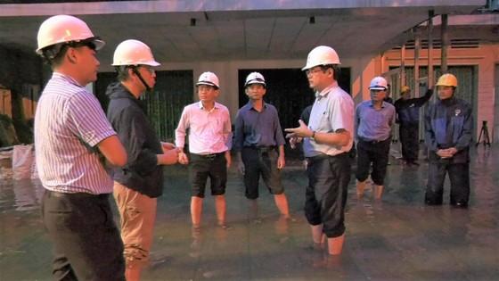 Hiện còn 579.232 khách hàng ở miền Trung - Tây Nguyên mất điện do mưa lũ kéo dài ảnh 3