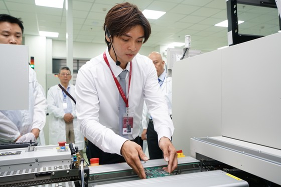 Đà Nẵng khánh thành dự án nghiên cứu sản xuất và lắp ráp thiết bị điện tử công nghệ cao SMT ảnh 2