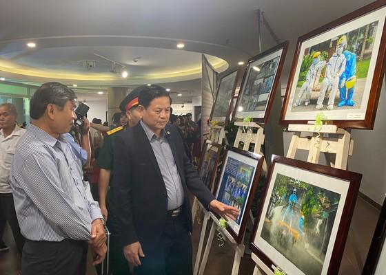 Khai mạc triển lãm 'Đà Nẵng trên tuyến đầu phòng, chống đại dịch Covid-19' năm 2020 ảnh 1