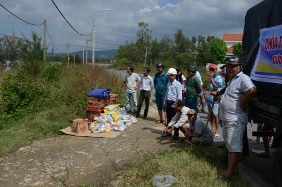 Đà Nẵng, Quảng Nam ngổn ngang sau bão  ảnh 4