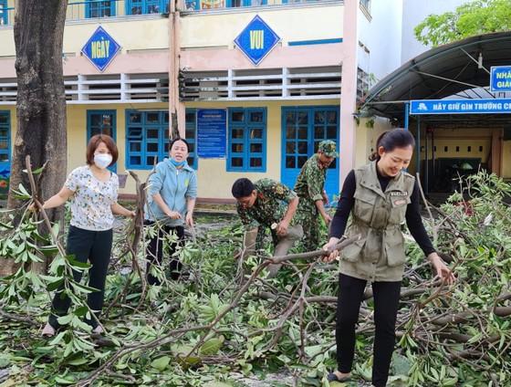 Đà Nẵng, Quảng Nam ngổn ngang sau bão  ảnh 5