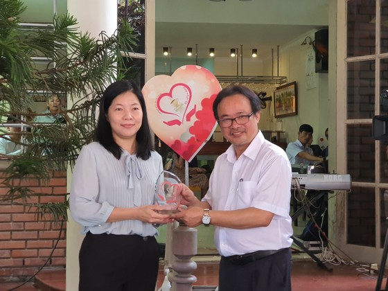 164 triệu đồng ủng hộ học sinh, thầy cô vùng bão lũ Đà Nẵng, Quảng Nam ảnh 2