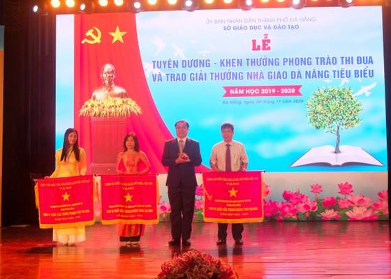 Đà Nẵng: Trao tặng danh hiệu nhà giáo tiêu biểu năm 2020 ảnh 1