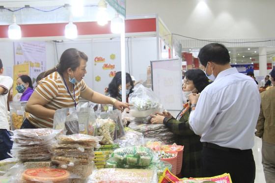 Đà Nẵng: Hơn 300 gian hàng tham gia Hội chợ Xuân 2021 ảnh 1