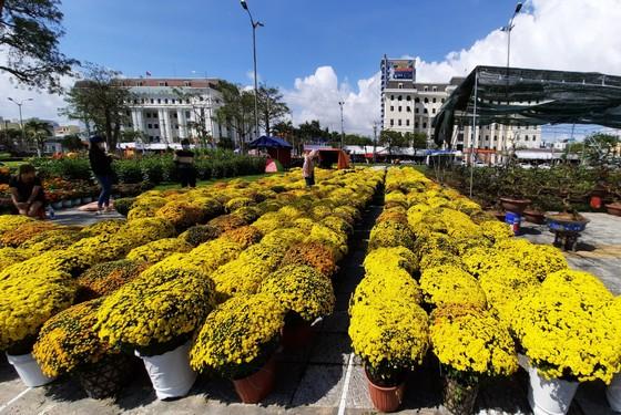 Tiểu thương chợ hoa tết ở Đà Nẵng 'nhớ' người mua ảnh 1