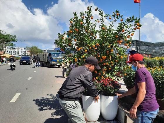 Tiểu thương chợ hoa tết ở Đà Nẵng 'nhớ' người mua ảnh 7