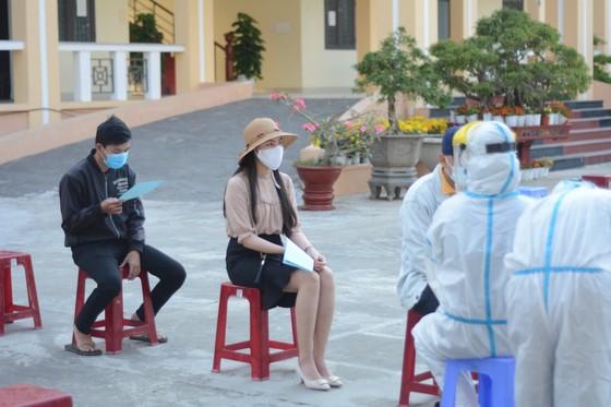 Đà Nẵng: Xét nghiệm Covid-19 cho hơn 1.000 thanh niên nhập ngũ ảnh 1