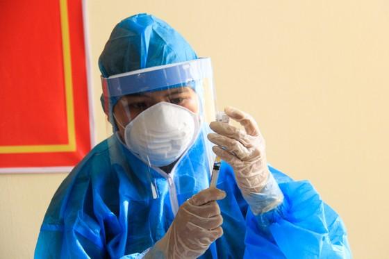 114 người được tiêm vaccine Covid-19 đầu tiên tại TP Đà Nẵng ảnh 6