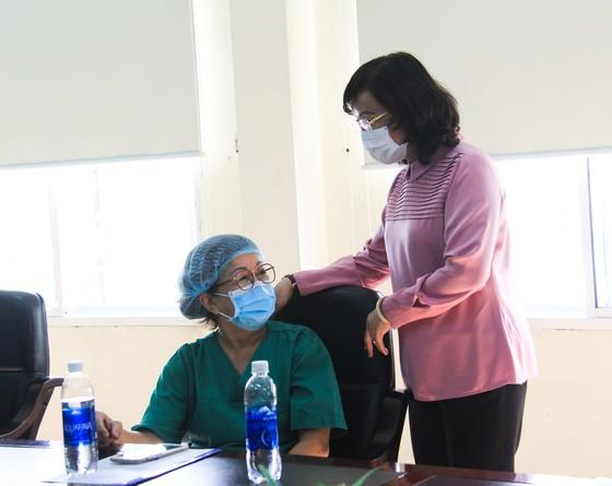 114 người được tiêm vaccine Covid-19 đầu tiên tại TP Đà Nẵng ảnh 9
