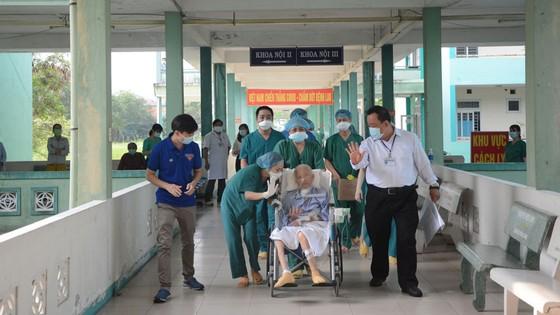 Bệnh nhân nặng 1.536 được điều trị khỏi bệnh Covid-19 ảnh 1