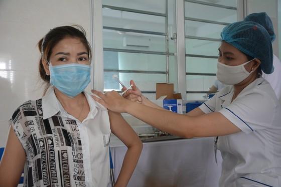 Đà Nẵng triển khai tiêm vaccine Covid-19 cho hơn 8.400 người ảnh 1