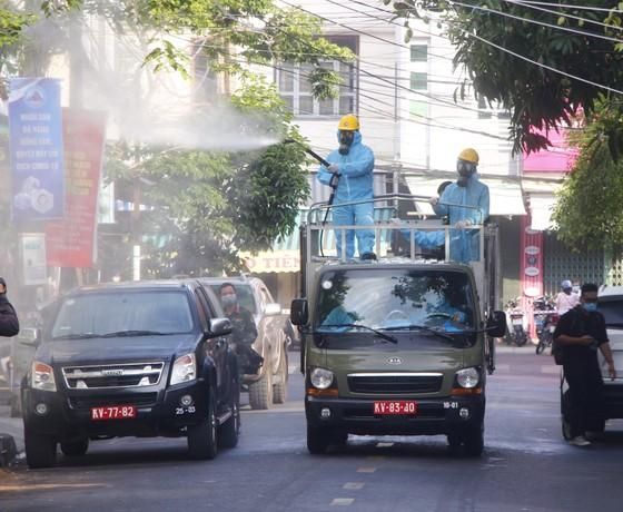 500 nhân viên làm việc tại các vũ trường, karaoke, spa, masage ở Đà Nẵng được xét nghiệm Covid-19 ảnh 6
