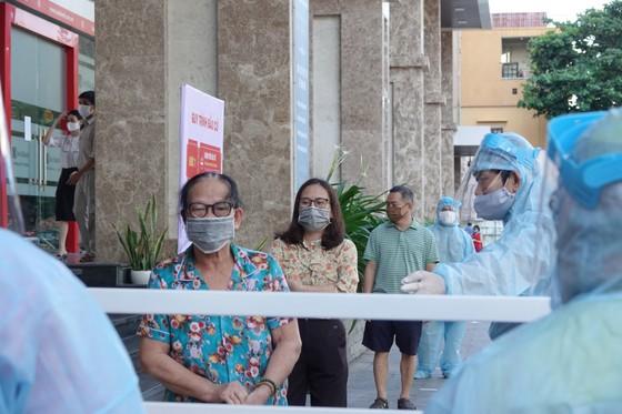 Đà Nẵng: Diễn tập bầu cử tại khu vực phong toả chung cư F-Home ảnh 3