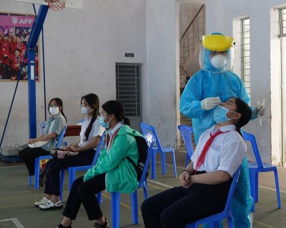 Đà Nẵng: Xét nghiệm SARS-CoV-2 cho hơn 14.000 thí sinh tham dự kỳ thi tuyển sinh lớp 10 ảnh 7