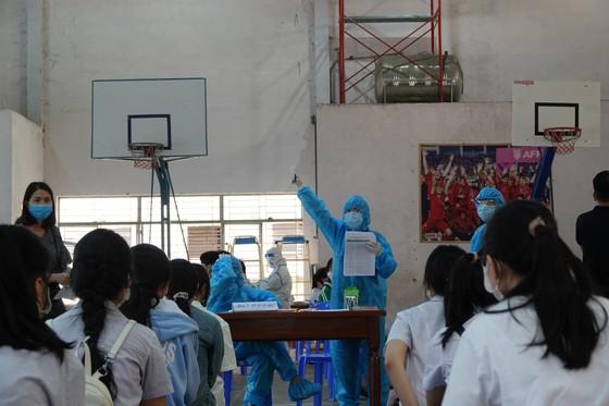 Đà Nẵng: Xét nghiệm SARS-CoV-2 cho hơn 14.000 thí sinh tham dự kỳ thi tuyển sinh lớp 10 ảnh 5