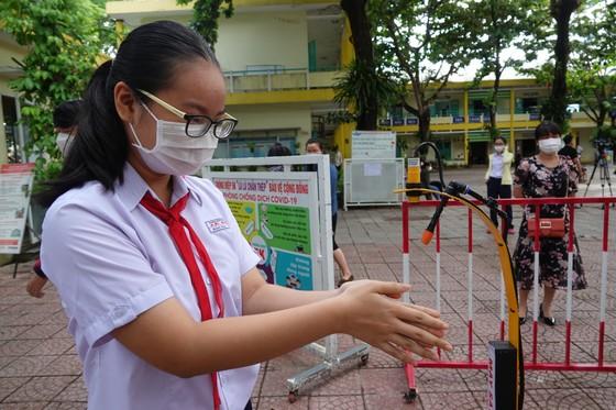 Đà Nẵng: Xét nghiệm SARS-CoV-2 cho hơn 14.000 thí sinh tham dự kỳ thi tuyển sinh lớp 10 ảnh 10