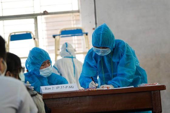 Đà Nẵng: Xét nghiệm SARS-CoV-2 cho hơn 14.000 thí sinh tham dự kỳ thi tuyển sinh lớp 10 ảnh 6