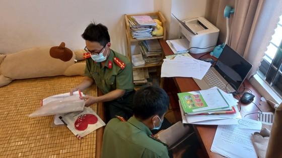 Khởi tố phiên dịch viên tiếp tay cho người Trung Quốc nhập cảnh trái phép theo diện chuyên gia ảnh 1