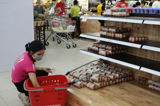 Đà Nẵng: Người dân chuyển sang mua trứng tại siêu thị vì giá cả ổn định ảnh 4