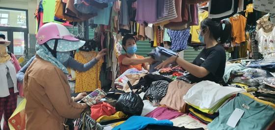 Đà Nẵng: Người dân tất bật trước giờ siết chặt phòng chống dịch Covid-19 ảnh 5