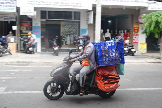 Đà Nẵng: Người dân tất bật trước giờ siết chặt phòng chống dịch Covid-19 ảnh 6