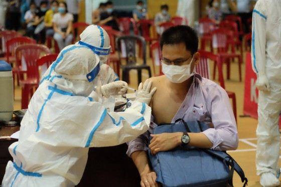 Đà Nẵng: Chỉ cần 2-3 tháng sẽ tiêm được 95% đối tượng trong diện tiêm nếu đủ nguồn vaccine ảnh 6