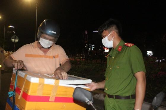 Đà Nẵng: Phong tỏa 4 phường thuộc quận Sơn Trà, người dân không ra đường sau 20 giờ ảnh 8