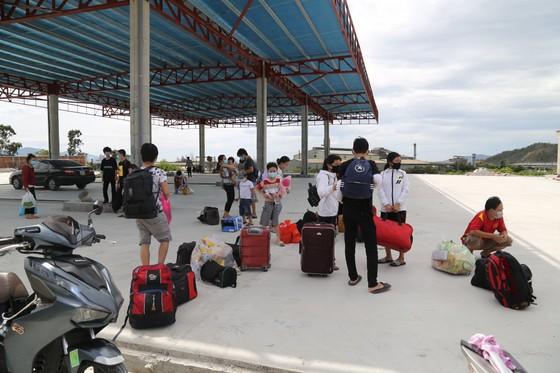 Vụ 23 người từ TPHCM về Huế bị buộc quay đầu: Huế tiếp nhận người trở lại ảnh 1