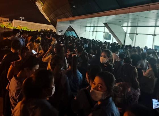 Đà Nẵng tạm dừng tiêm vaccine ngừa Covid-19 tại Cung thể thao Tiên Sơn do không đảm bảo giãn cách ảnh 1