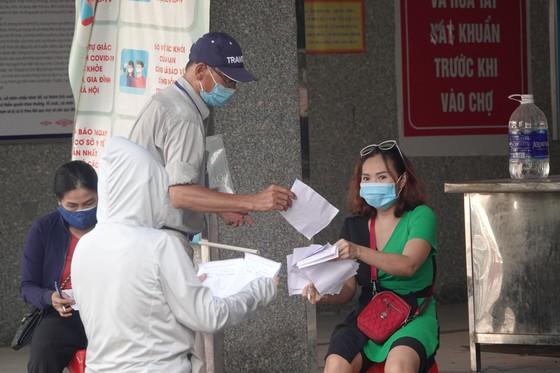 Đà Nẵng: Ngày đầu mở lại một số chợ truyền thống ảnh 5