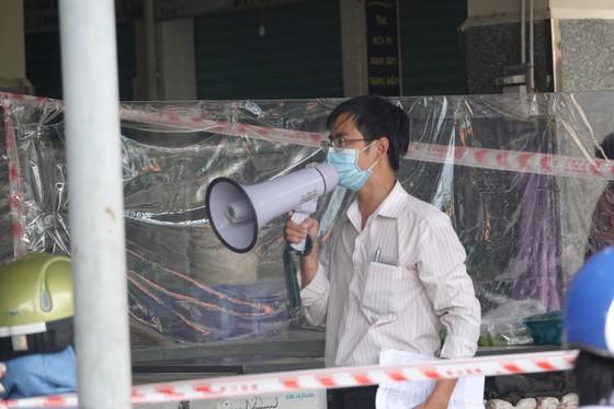 Đà Nẵng: Ngày đầu mở lại một số chợ truyền thống ảnh 6