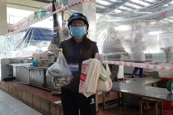 Đà Nẵng: Ngày đầu mở lại một số chợ truyền thống ảnh 15