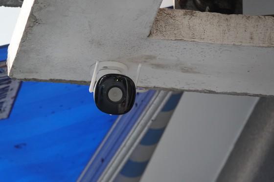 Đà Nẵng sử dụng flycam, camera giám sát người dân thực hiện 'ai ở đâu thì ở đó' ảnh 4