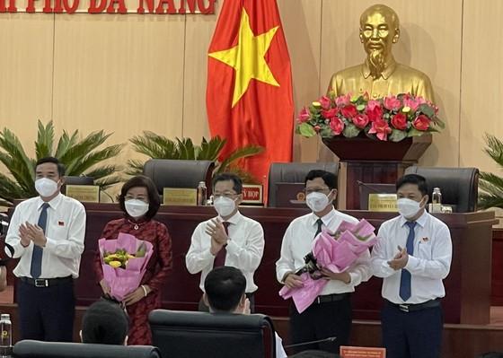 Ông Trần Phước Sơn và bà Ngô Thị Kim Yến được bầu làm Phó Chủ tịch UBND TP Đà Nẵng ảnh 1